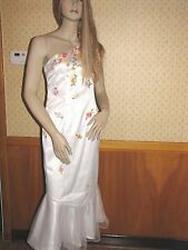 Rimini White Cocktail Dress Size 4 With Appliqued Flowers Scattered All Over