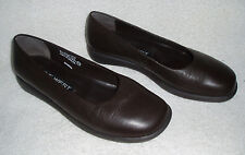 "NINE WEST ""Shannon"" Leather Flat Slip On Shoes~Black~Size 6 M ~Made in Brazil"