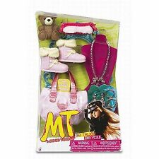 Moxie Teenz Fashion Set and Accessories Pink Purse Boots Jewelry Teddy Bear NEW
