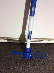 Bluespot Fibreglass Shaft  2 Kg/ 4 1/2 Lb Mattock