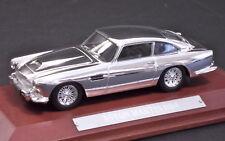Modello Die Cast model - ASTON MARTIN DB4 - SILVER/CROMO - Scala 1:43 BASE LEGNO