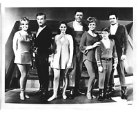 """LOST IN SPACE"" TV SHOW CAST 8x10 PUBLICITY PHOTO LS1B2 Jonathan Harris Vintage"
