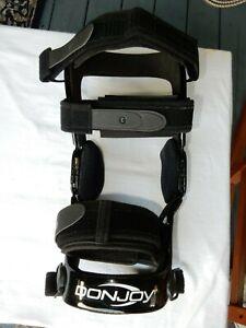 Donjoy Defiance Knee Brace  Left leg size S excellent condition