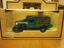 Lledo Days Gone 1936 Packard Van with Ferodo Brake Linings Decals