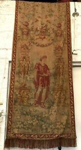Tapisserie de style renaissance Décor d'un personnage sous une arche XX siècle