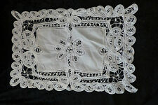N°15/ NAPPERON DENTELLE/BRODERIE ANCIENNE / MODE / COUTURE