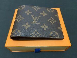 Authentic Louis Vuitton Mens Multiple Wallet Monogram Bifold w/Box