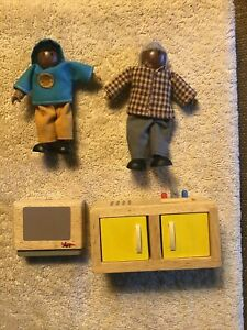 African American Wooden Doll House Family  Figures Lot People & Furniture Hape