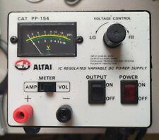 Alimentation de Laboratoire Réglable 5 à 15 V/DC 4 A avec Voltmètre à Aiguilles