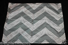 Room Essentials Gray White Zig Zag Pillow Sham nwop #480