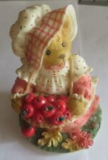 "Ourse ramassant tomates en biscuit « Cherished Teddies Hannah N°I HH2/980"" -1997"