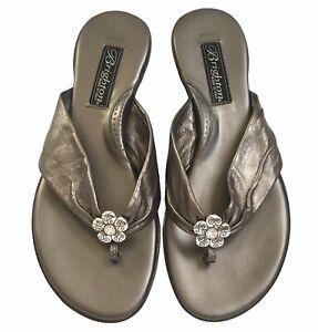 Brighton Women's Leather 178 Party Flip Flop Slip on Sandals Silver Size 8M EUC