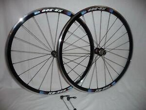 Kinlin XR300 700c lightweight road bike wheels to suit narrower frames.