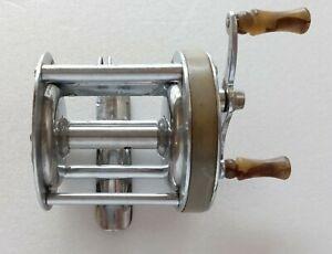 COLLECTOR SHAKESPEARE TRIUMPH 1958 MODEL GE FISHING REEL