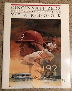 1985 CINCINNATI REDS YEARBOOK  ROSE BREAKS TY COBBS RECORD W/18 CARD SET