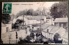CPA. LA FERE. 02 - Passage à Niveau. 1908.