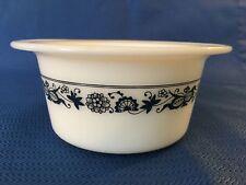 "Round PYREX glass butter margarine tub dish blue onion vintage 2.5x4"" vintage GC"