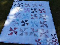 HANDMADE CRIB SIZE PINWHEELS QUILT PROFESSIONALLY QUILTED