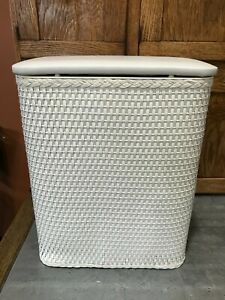 Vtg Redmon Small Baby Apartment White Wicker Laundry Clothes Hamper Basket NICE