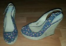 Free Press womens size 8 floral wedges euc casual / business / dressy