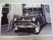 1949 ?  HUDSON IN SHOWROOM 11 X 17 PHOTO  PICTURE