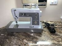 VINTAGE Singer Touch and Sew 600E Sewing Machine