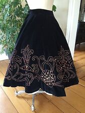 """Vintage 50'S Black Skirt W Real Coral Full Circle 24"""" Waist Rockabilly Swing"""