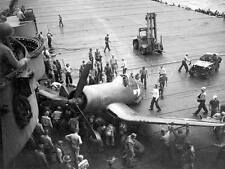 WWII Photo US Navy Deck Crash F4U Corsair  WW2 World War Two / 7016
