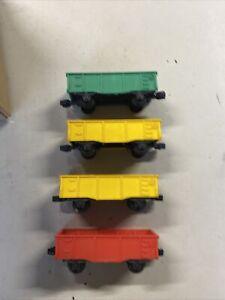 4 Lionel Short 2 Wheel Gondolas