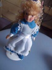 DOLCE ragazzina per una casa delle bambole