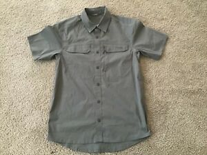 Sitka Gear NWOT Globetrotter SS Shirt Men's Small,Dark Khaki  Green
