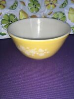 Pyrex Gold/Yellow Butterfly Mixing Bowl 1.5 Liter #402 With White Floral VINTAGE