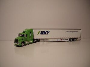 DCP 1/64 SKY TRANSPORT SERVICE WESTERN STAR 5700 XE WITH SLEEPER AND 53' DRY VAN