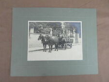 PHOTO ANCIENNE ATTELAGE CHARRUE CHEVAL : TRANSPORT DE WHISKY (J&B) VERS 1910