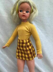 "Pedigree Sindy Doll 1970 ""Walker"" Yellow Check Skirt & Sweater Trendy"