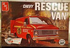 1975 Chevrolet G 20 Rescue Van, 1:25, AMT 851