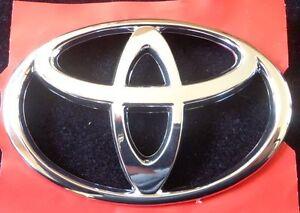 TOYOTA Emblème Chrome Original Pièce #75404-AC010