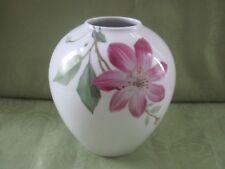 Wunderschöne KPM Berlin Vase mit vielen Blumen