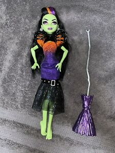 Monster High CASTA FIERCE Doll Witch Daughter of Circe Mattel