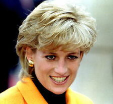 Diana, Princess of Wales UNSIGNED photo - K2859 - GORGEOUS!!!!