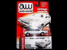 Auto World Oldsmobile 442 1966 Silver 1/64 64042B