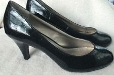 "EUC   ""LIZ CLAIBORNE FLEX""  Faux Black Patent Leather ,2 1/2"" Heel, 8.5M"