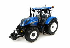 UNIVERSAL HOBBIES 1/32 SCALE NEW HOLLAND T7.225 TRACTOR MODEL BN 4893