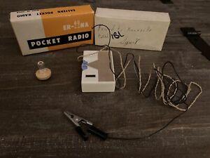 Vintage EASTERN GERMANIUM Crystal Pocket Radio Model Er-22 NA MADE IN JAPAN 1958