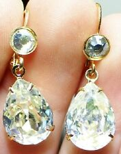 GORGEOUS PRE-LOVED DANGLE EARRINGS IN SPARKLING CLEAR DIAMANTES