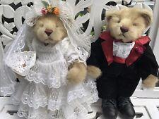 Bride and Groom Wedding Bears Display Keepsakes. TRUE LOVE