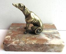 Presse-papier Napoléon III, sculpture chien en bronze sur marbre: Lévrier assis