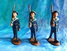 QUIRALU. Lot 2 de3 figurines de marins au défilé en aluminium - ref Q44