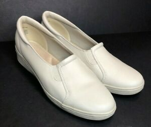 Grasshoppers Jensen Beige Slip Ons Sneakers Loafer Shoes Comfy Size 11