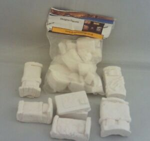 Fantasy RPG Dungeon Furniture Sealed Pack plus 5 Beds & Alter All Resin Job Lot